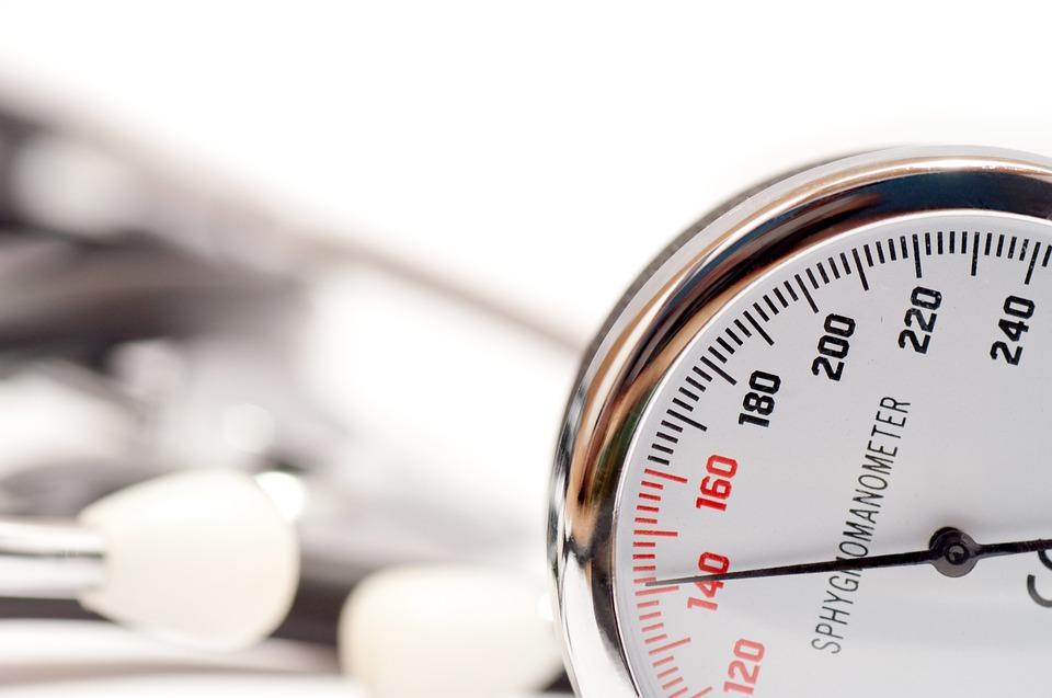 hipertenzija, lijevu i desnu ruku