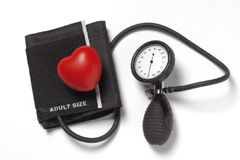simptomi srca visokog krvnog tlaka