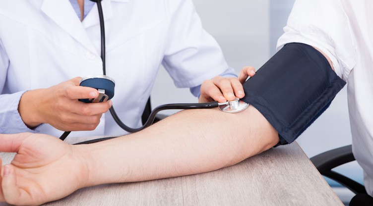 visoki krvni tlak, ali nizak puls
