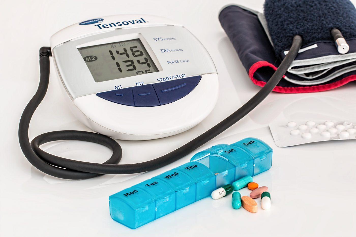 ono što je uzrokovano hipertenzijom hipertenzija terapija